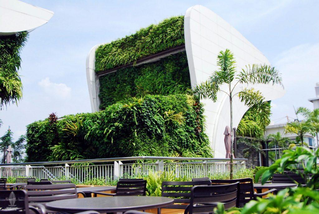 green wall mall